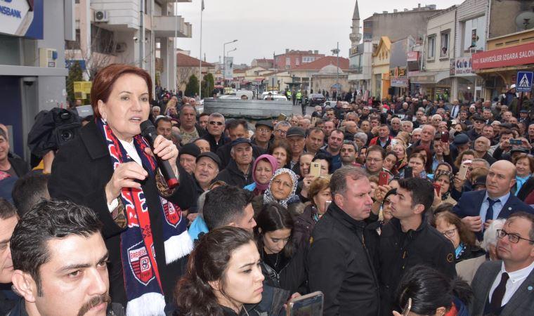 Akşener'den siyasilere Trabzonspor fırçası
