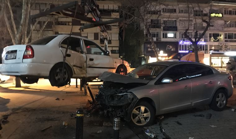 Bağdat Caddesi'nde korkunç kaza!.. Bankta oturuyordu, durumu ağır!