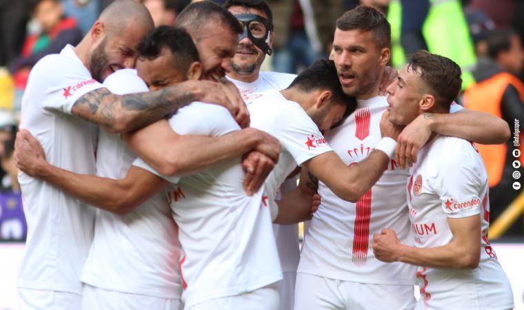 Antalyaspor, kırmızıda geçti:2-1