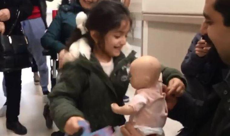 Kazada kaybolan bebeğine kavuşunca havalara uçtu