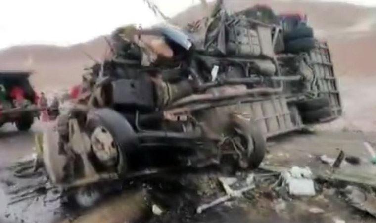 Peru'da iki otobüs çarpıştı: En az 12 ölü, 68 yaralı