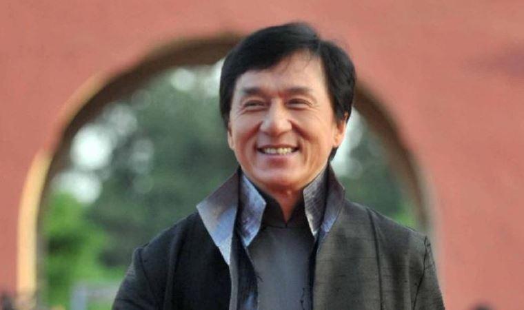 Jackie Chan:  Sağlıklıyım, karantinada değilim