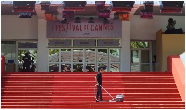 Cannes'da koronavirüs endişesi