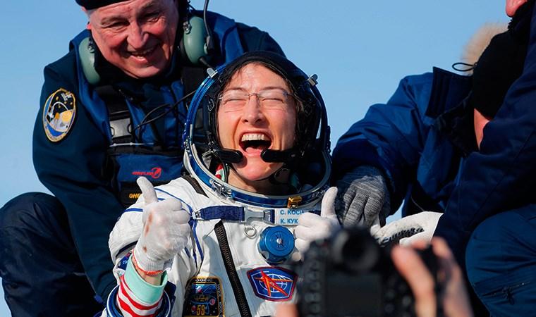 NASA'da görevli Christina Koch, tek bir seferde uzayda en fazla kalan kadın astronot unvanını kazandı