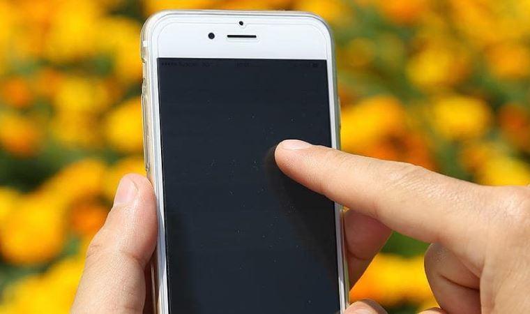 Düzenli telefon temizliği koronavirüsten korunmak için önemli! Uzmanlar uyardı