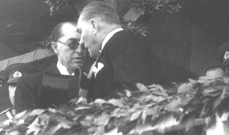 Atatürk Türkiyesi, ekonomide F. Rıfkı Atay'ın tabiriyle 'ihtilalcı metot' uygulamasına geçiyordu: Planlı ekonomiye giriş