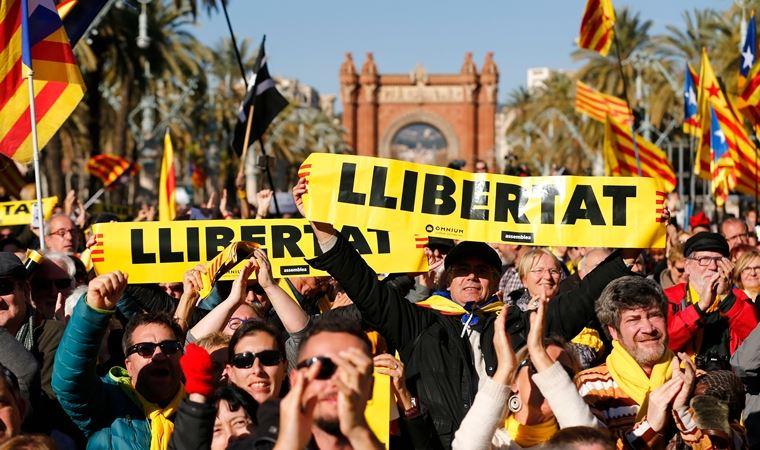 Çelişkilerin ortasında İspanya: Sol azınlık hükümeti ve yükselen radikal sağ