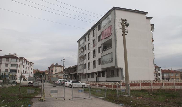 5 katlı apartman karantinaya alındı