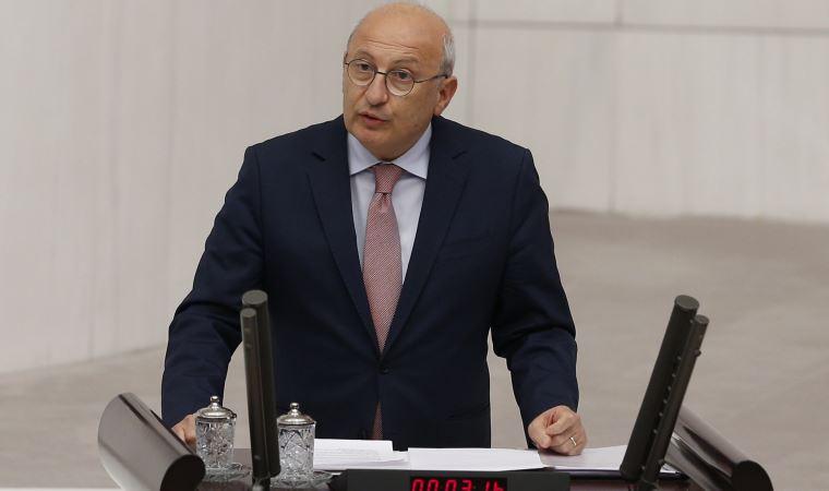 """CHP'li Utku Çakırözer infaz düzenlemesine isyan etti: """"Düşünceyi özgürleştirmeden vicdanlar kabul etmez!"""""""
