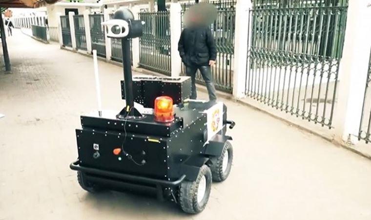 Sokağa çıkma yasağı kontrolü robotlara emanet