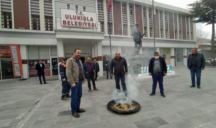 AKP'li belediyeden koronavirüse karşı tütsülü önlem