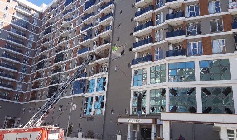 Esenyurt'ta apartmanda patlama: Yaralılar var
