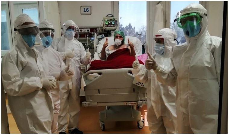 Koronavirüsü yendi 'mesafeyi koruyun' dedi