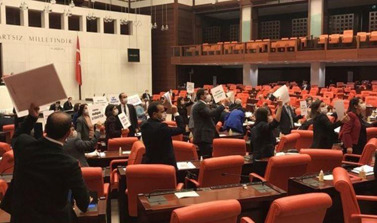 Meclis'te 'İnfaz Yasası' protestosu