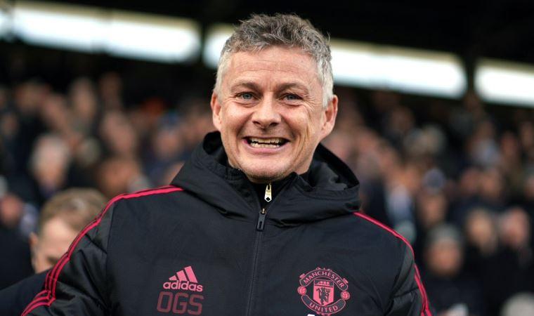 Manchester Teknik Direktörü  maaş indirimine karşı