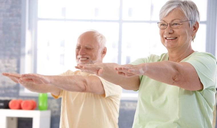 60 yaş üstü bireylerin evde yapabileceği egzersizler