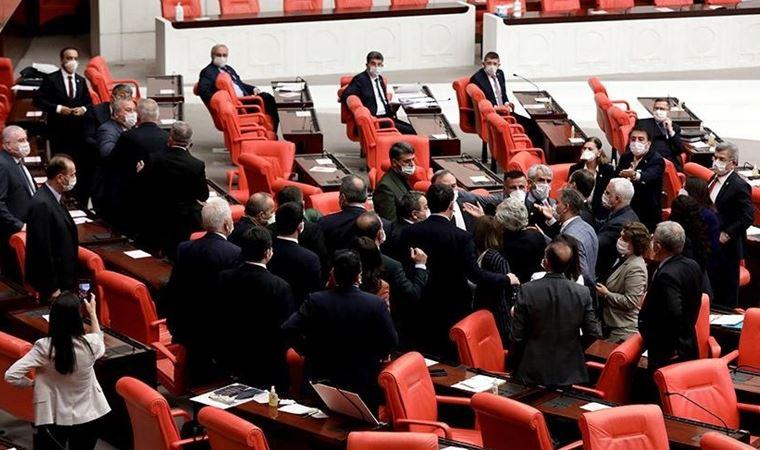 Meclis'te AKP-CHP arasında kavga çıktı!