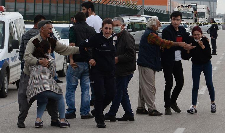 Adana'da acının fotoğrafı! 3 ölü, 2 yaralı