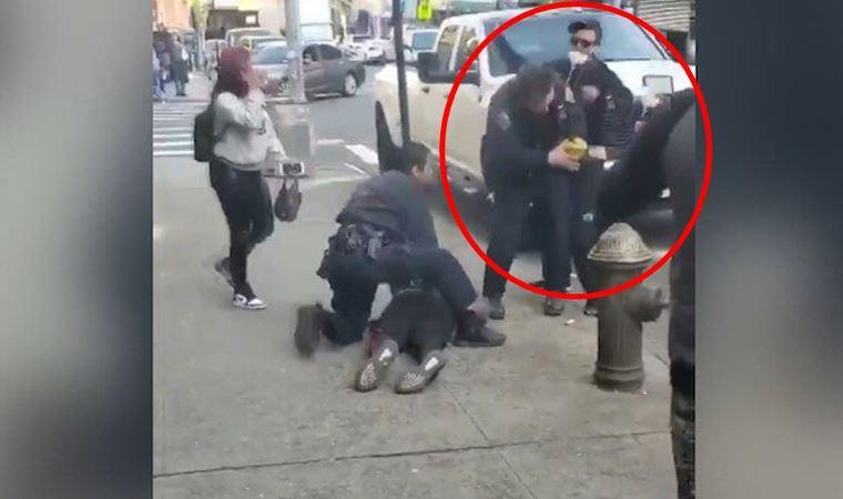 ABD'de polis memuruna saldırı anı kamerada!