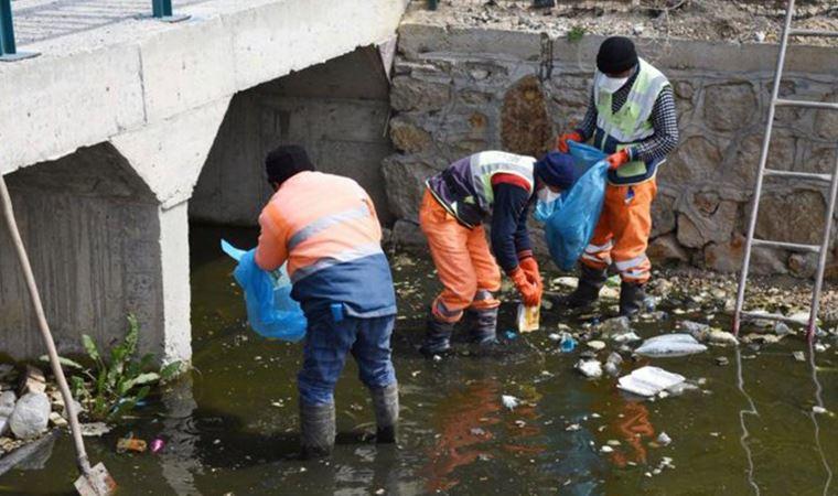AKP'li belediye işçinin mesafesini unuttu!