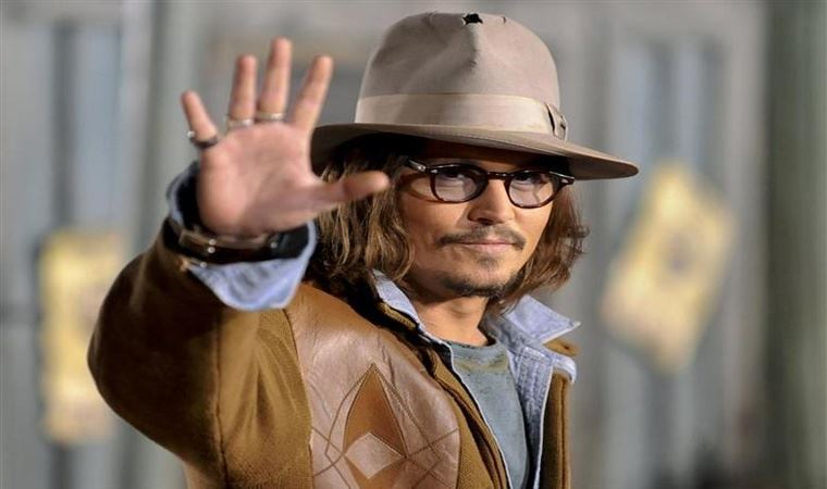 Johnny Depp'ten 'Boston uçağı' özrü
