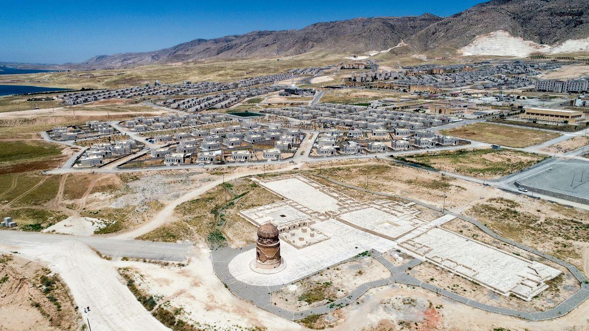 <p>Anadolu Ajansı'nın sular altında kalan 12 bin yıllık kültürel miras Hasankeyf hakkında yaptığı haber tepkilere neden oldu.