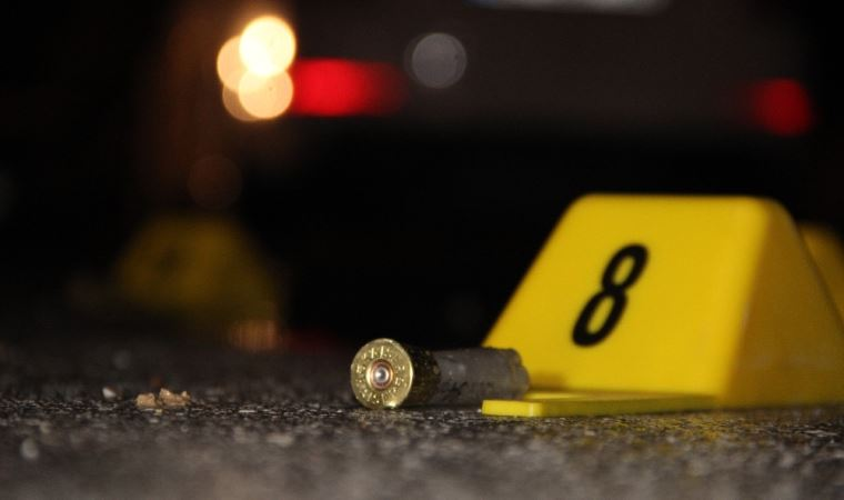 Esenlerde bir kişi eşini, kayınvalidesini ve baldızını silahla vurdu
