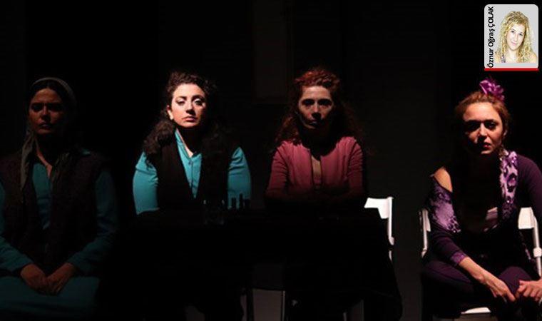 5 kadın, 5 yaşanmış hikâyesi anlatılıyor 'Mor' adlı oyunda