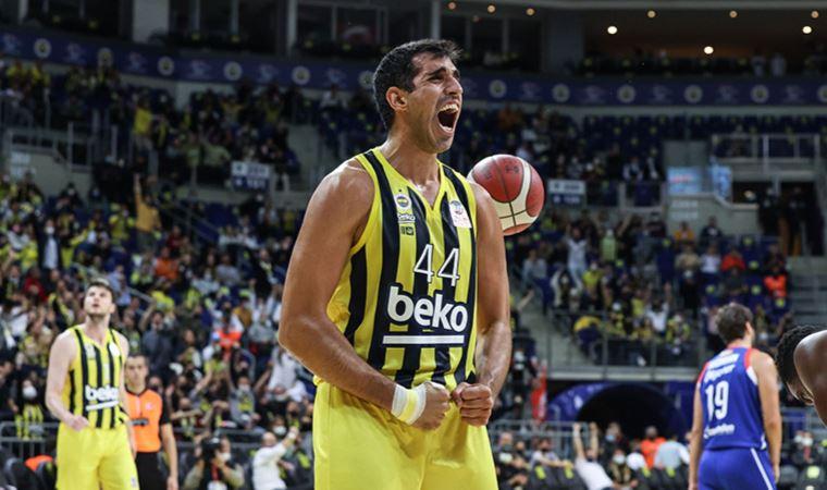 Fenerbahçe Beko, Anadolu Efes'i farklı geçti