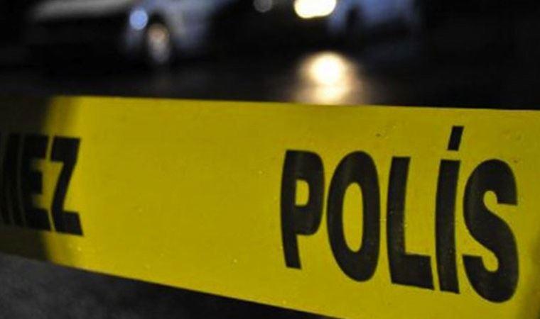 Kız öğrenci arkadaşını sınıfta sırtından bıçakladı