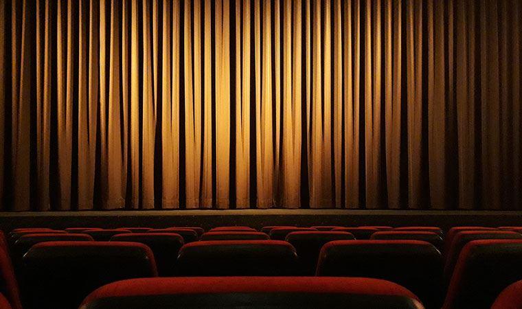 Tiyatroların bir kısmı kapandı, açık kalanlar ise yaz sezonunda perde açmayı bekliyor