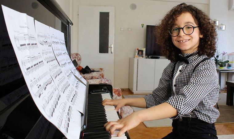 Küçük piyanist Engin, İspanya'da ikinci oldu