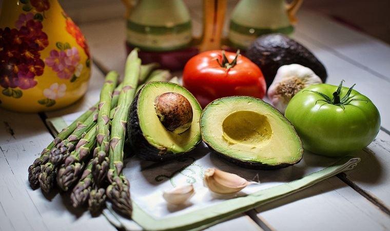 Vegan beslenme nedir, veganlar ve vejetaryenler diyet yaparken nelere dikkat etmeli?