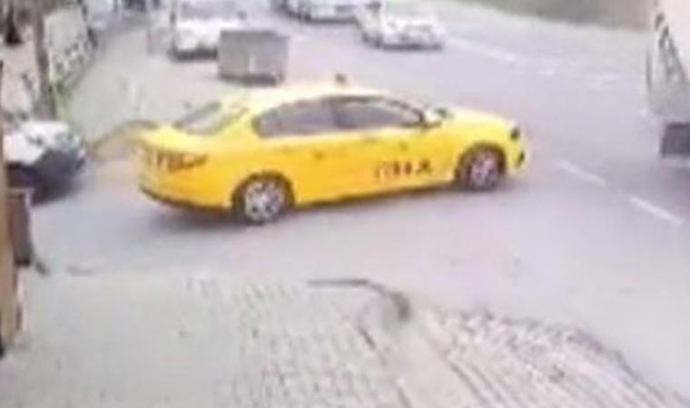 Hatalı sollama sonucu feci kaza kamerada