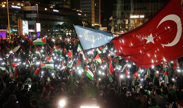 İstanbul'da gece yarısı büyük protesto