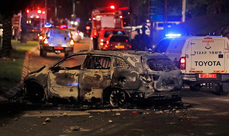 Lod şehri yangın yeri: 'Kontrol kaybedildi'
