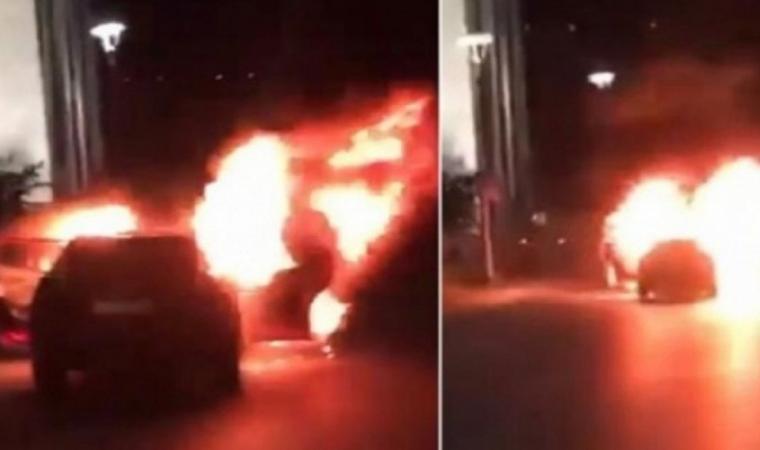 İsrail'i protesto için İstanbul'da araçlarını yaktılar