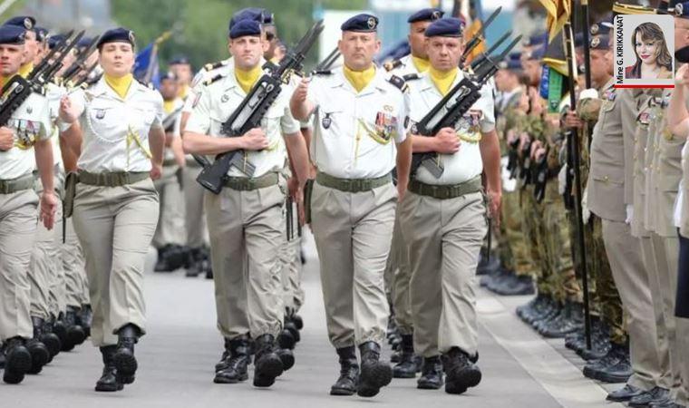 Askerlerin bildirisine 36 bin imza