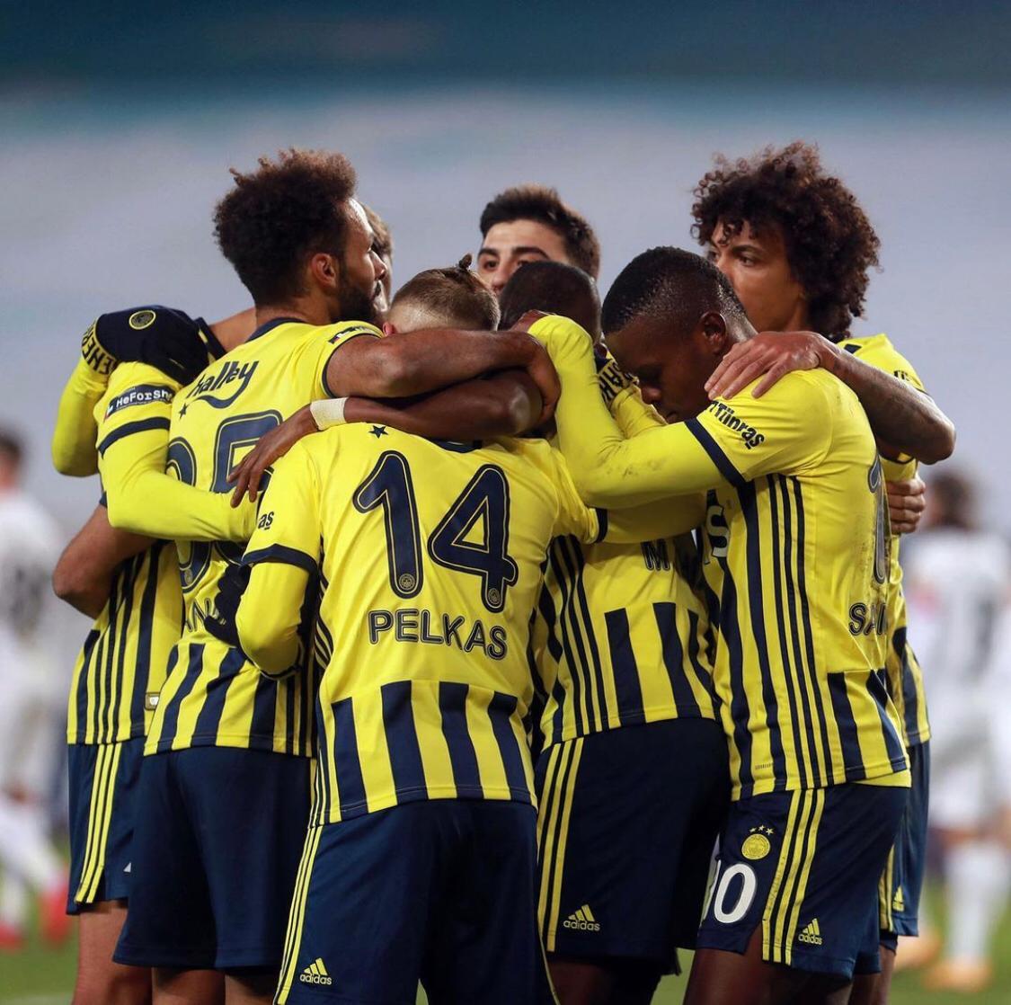<p>Bu sezon forvetlerinden istediği verimi alamayan Fenerbahçe gelecek sezona yeni bir forvetle başlamayı hedefliyor.&nbsp;</p>
