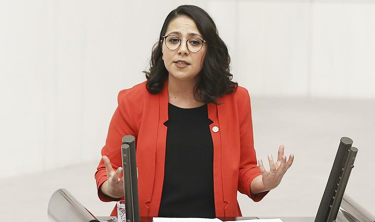 Sera Kadıgil CHP'den istifa ettiğini açıkladı! İşte yeni partisi