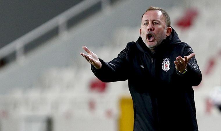 <p>Sergen Yalçın, Beşiktaş'ın başında çıktığı 59 maçta 39 galibiyet 7 beraberlik 13 mağlubiyet aldı.</p>