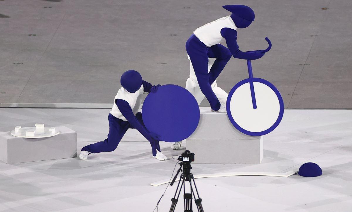 <p>Herhangi bir şeyi küçük resimlerle anlatmaya yarayan pictogramlar ilk kez 1964 yılındaki Tokyo'da düzenlenen olimpiyatta kullanılmıştı.</p>