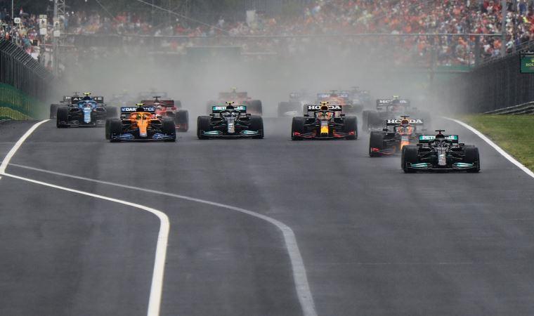 Yağmur altında başlayan yarışa kazalar damga vurdu