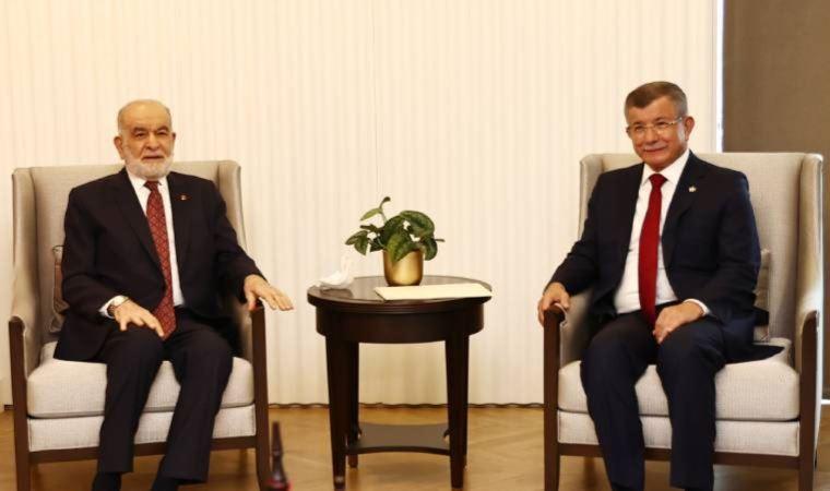 Davutoğlu ve Karamollaoğlu'ndan 'adaylık' açıklaması