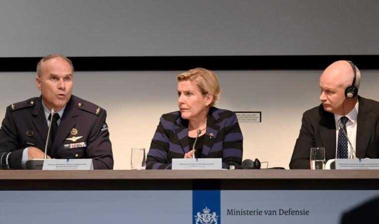 Hollanda Savunma Bakanı istifa etti