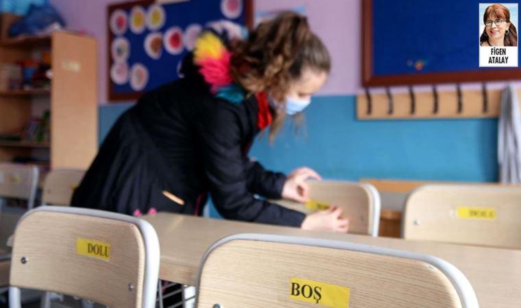 Yüzlerce sınıf pozitif vakalar nedeniyle karantinada