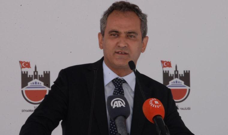 Bakan Özer'den okulların açılmasına ilişkin açıklama