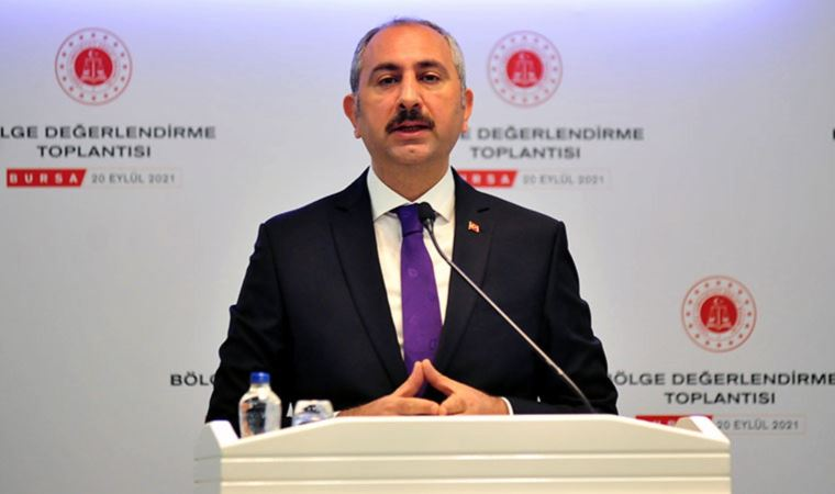 Bakan Gül'den yargı itirafı