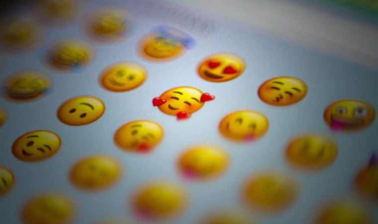 Hamile erkek ve cinsiyetsiz hamile emojileri onaylandı