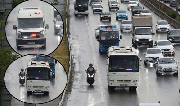 İstanbul trafiğinde 'çakarlı minibüs' endişesi